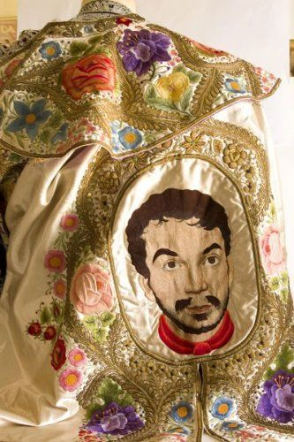 Capote de paseo de l'acteur mexicain Mario Moreno dit Cantinflas (1911-1993). photo courtesy Damien Leclere
