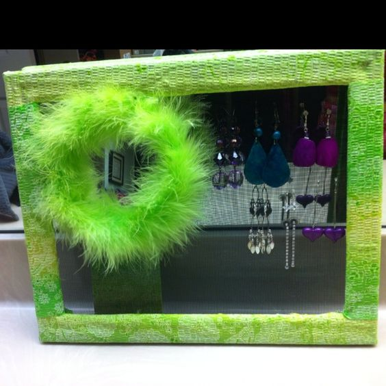 This earring board is pretty cool!