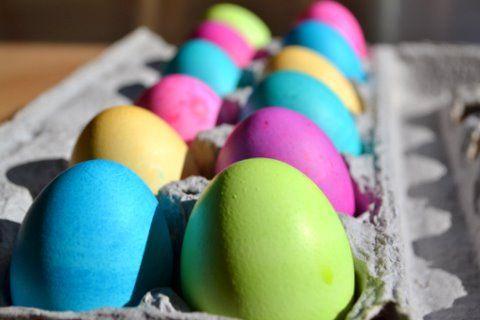 Colored Eggs using Gel Paste Colors