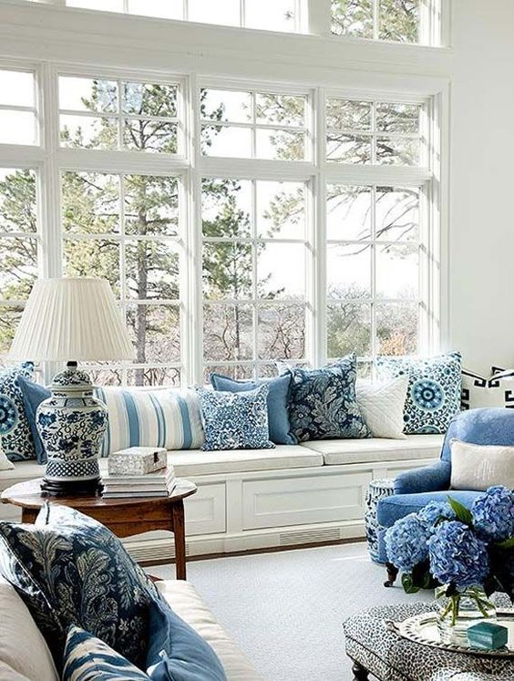 Amazing Blue and White Traditional Interior Design Ideas! #livingroom #blueandwhite #windowseat #traditional