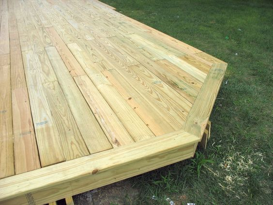 Stacy's Big Deck - The Dale Maley Family Web Site