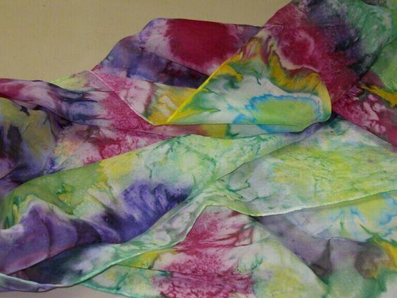 Fular de seda de MariCarmen,  pintado hoy en clase