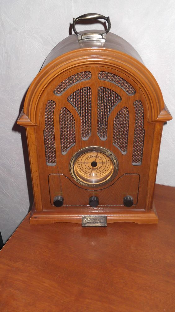 Antique look AM/FM radio w/cassette player on the side. Purchased at Mainero's, Vineland, NJ, 1992.
