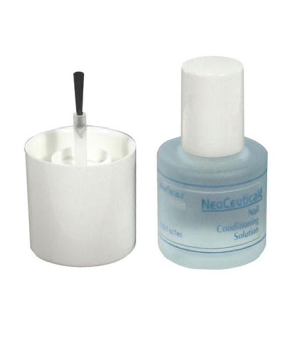 NeoCeuticals - Solução para as unhas -  Solução para o fortalecimento de unhas frágeis, quebradiças e desidratadas. Hidrata e protege a cutícula. Não é esmalte e não deixa brilho nas unhas.