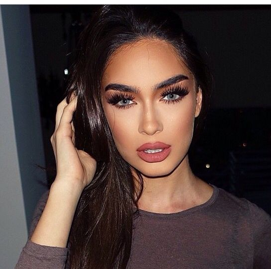 This is one of the best sexy makeup ideas for Valentine's Day!
