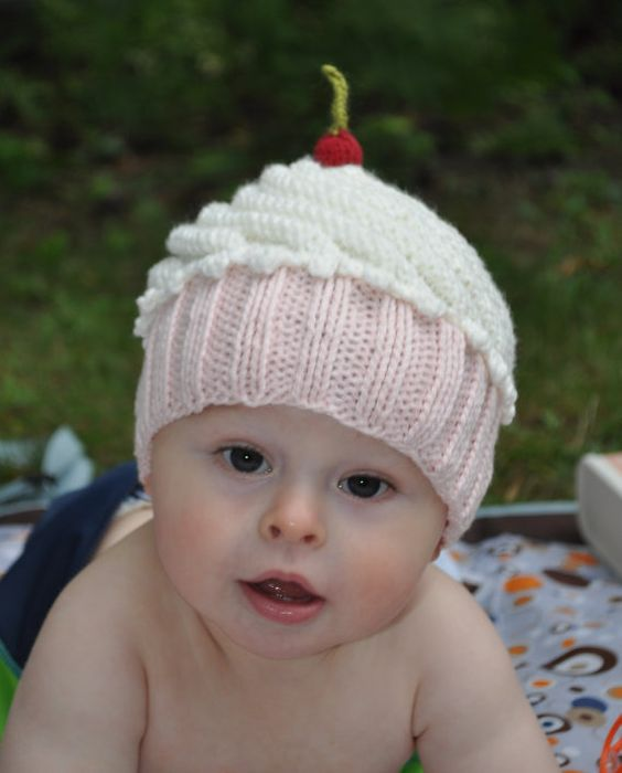 Free Knitting Pattern For Baby Cupcake Hat : Knitting patterns, Children and Newborn babies on Pinterest