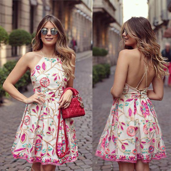 """""""{Do dia} Vestido de renda colorido @ervadoce_oficial para a loja @closetdamay O que é essa renda bordada maravilhosaaaa?  • #lookdodia #lookoftheday…"""":"""