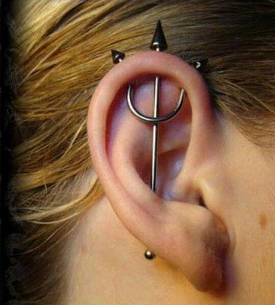 Creative Cartilage Piercings In 2020 Ear Piercings Industrial