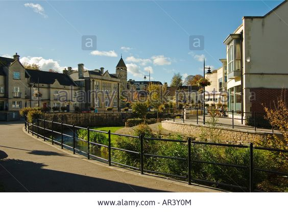 River Marden Flowing Through Calne Town Wiltshire England Uk Eu Stock Photo, Picture And Royalty Free Image. Pic. 15930547