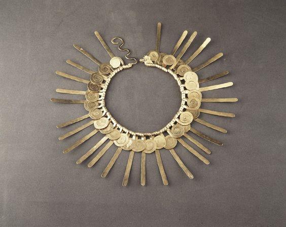 Alexander Calder's Jewelry Turns People into Living Sculptures