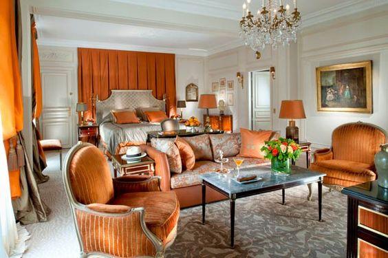 Royal-Suite-Mr-Bedroom-LR-(c)-de-Laubier