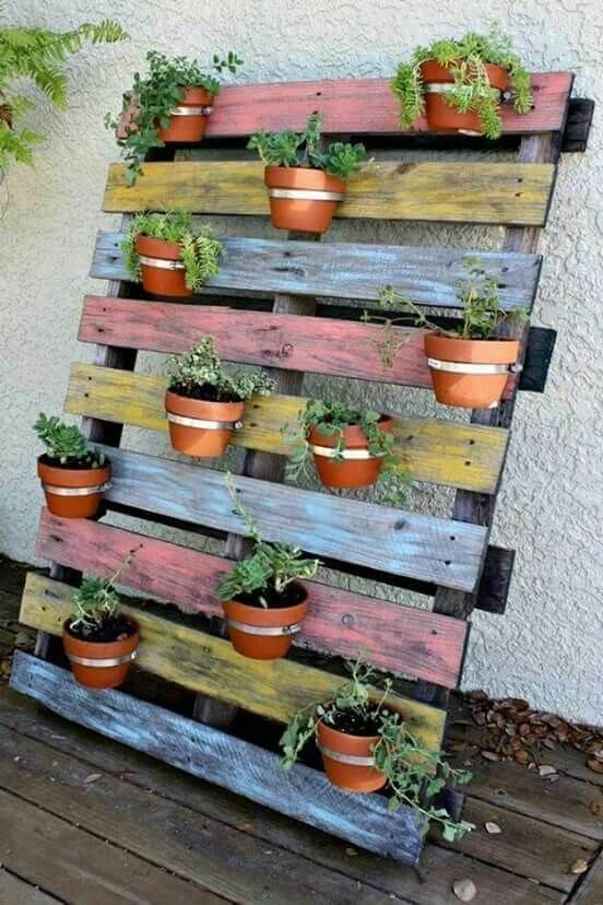 24 Diy Backyard Projects Using Pallets Pallet Projects Garden