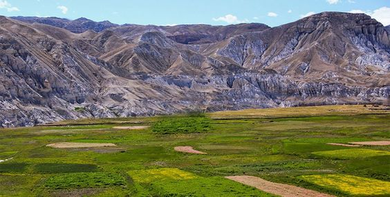 "Upper Mustang trek follows the snow-capped mountains and barren hills reaches deep inside the vast Tibetan plateau. It is a great adventure trek along with ""off the beaten path"" in the Trans-Himalayan Region."