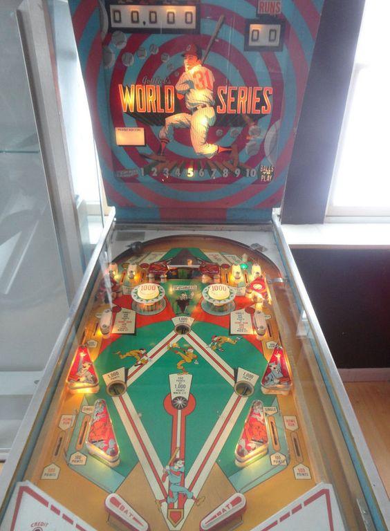 Porno theme pinball machine