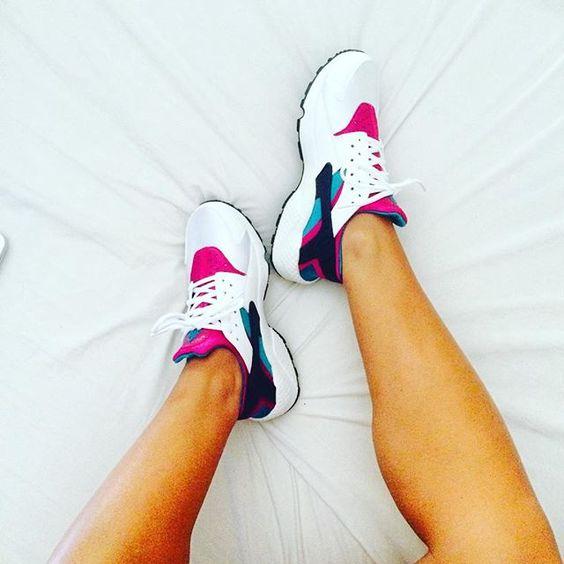 #nike #huarache #nikeair #sneakers #shoeporn #sneakerporn #loveit @deviguri9