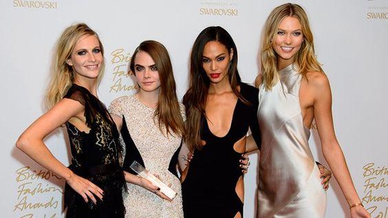 Querid@ Lector@, Te presento los mejores looks de los British Fashion Awards, decide cual es el mejor e inspírate para tu noche de fin de año!!! Provecho.