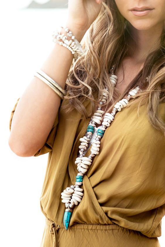 Hendrix & Harlow Eshaan Turquoise and Shell Necklace:
