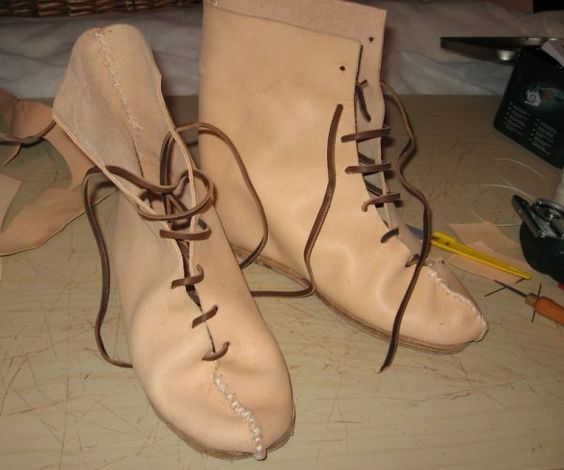 Tutorial: Roman boots from Vindolanda