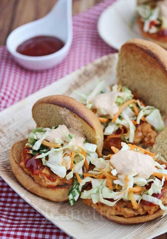 Korean Chicken Sliders with Asian Slaw and Kimchi Sauce ...