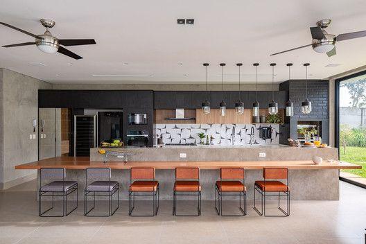 Galeria De Casas En Brasil 19 Viviendas Con Cocina Integrada 13 Cocinas Integradas Galerias De Casas Casas