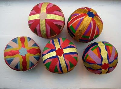 Surprise Balls - such a cute idea.  A ball of surprises - little toys and goodies wrapped in crepe paper.  There is a link at the bottom for an Easter Egg version tutorial.