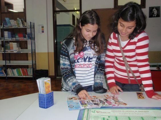 Escolha de marcadores em exposição, para os alunos leitores.