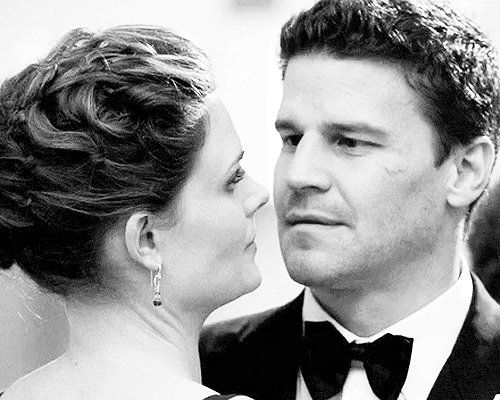 Sara On Twitter 2x21 Stargazer In A Puddle Thanks Booth Mhm I Would Like To Get Married Now Bones Die Knochenjagerin Knochen