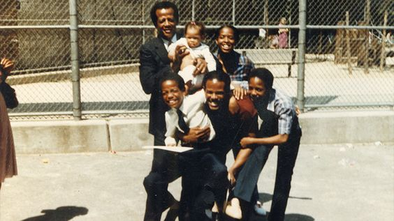 The Wayans Family - Father with Son's & Daughter.