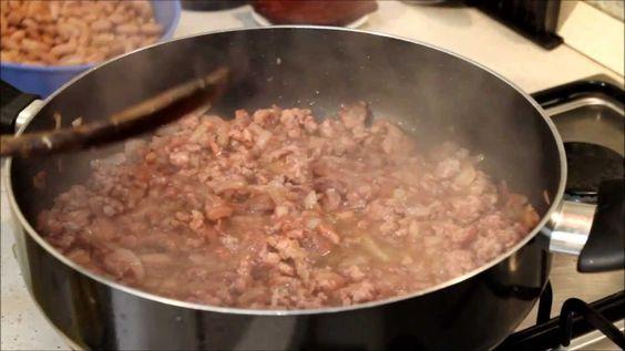 Salsiccia e fagioli alla Cowboy (ricetta del far west)