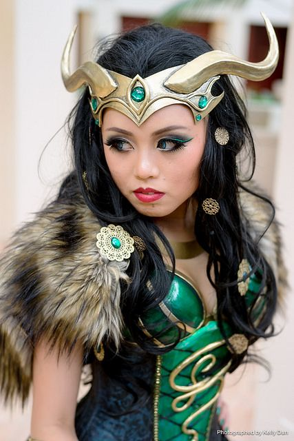 Lady Loki cosplay - I love that she just has a fur capelet :)
