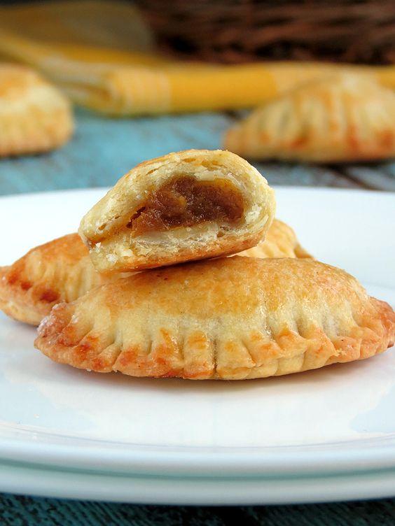 Pumpkin Empanadas (Hand-Pies) | YummyAddiction.com --- I'm in!