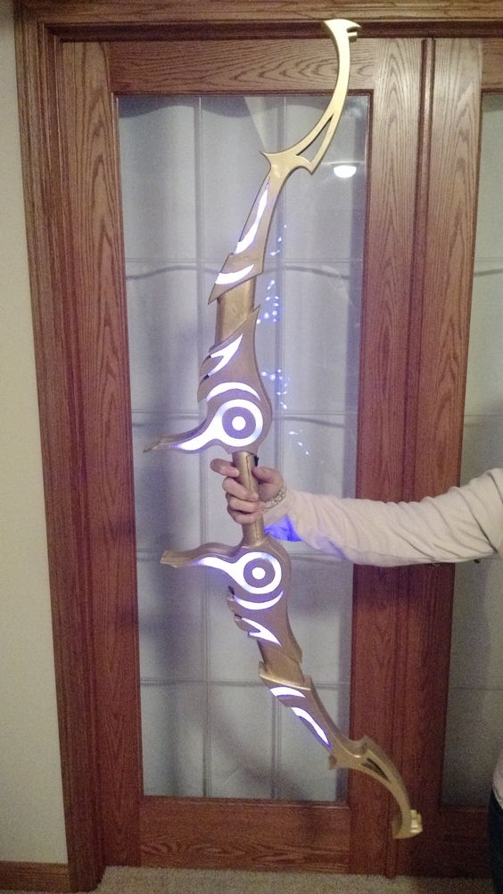 Zelda's Bow - with light up effects! OMG want so bad!