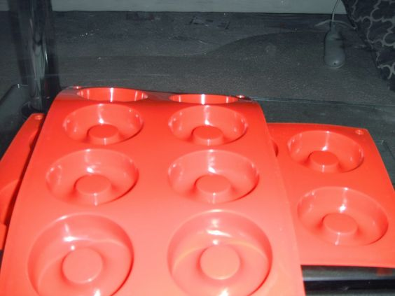 Britsy's Reviews: Review: Ozera 8 Cavity Silicone Donut Pan