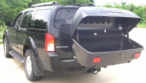 Thule Transporter Combi Hitch Mounted Enclosed Cargo Carrier