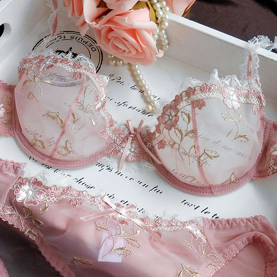 Free Shipping! Exquisite embroidery lotus pink ultra-thin women's sexy transparent lace underwear bra set US $15.80: