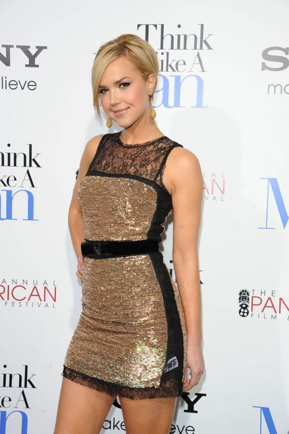 Arielle Kebbel Bra Size and Body Measurements | My style ...