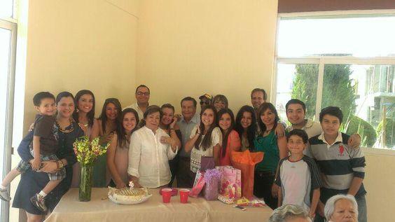 Toda la familia, cumpleanos de la Chichina