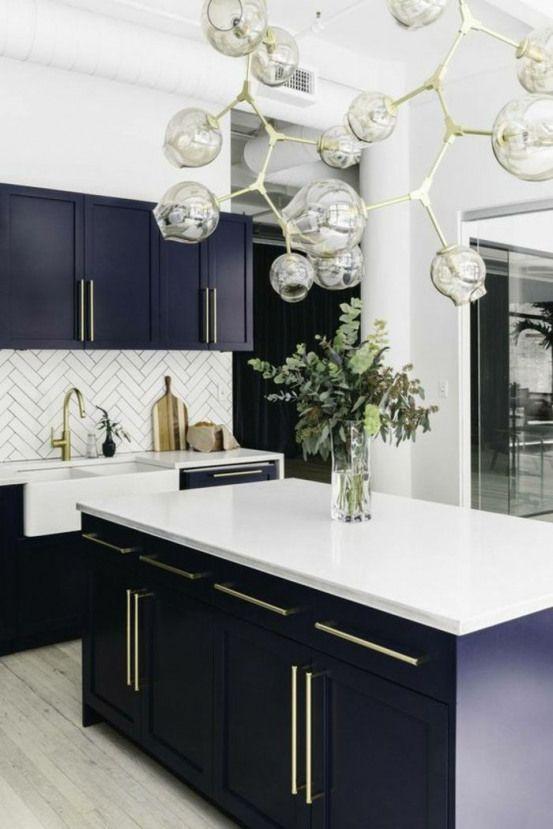 Deco Bleu Canard Cuisine Bleu Canard Grand Lavabo Vintage En Blanc Meuble Bleu Canard Avec Pla Home Decor Kitchen Interior Design Kitchen Modern Kitchen Design