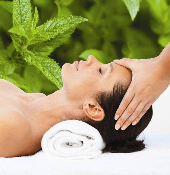 Necesitas un descanso ? Un masaje relajante con nuestra gran variedad de aceites y cremas Jafra!