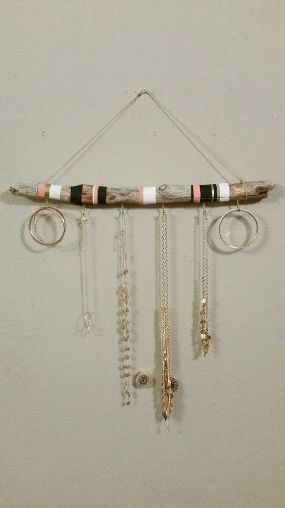bijoux en bois flott bijoux and bijoux suspendus on pinterest. Black Bedroom Furniture Sets. Home Design Ideas