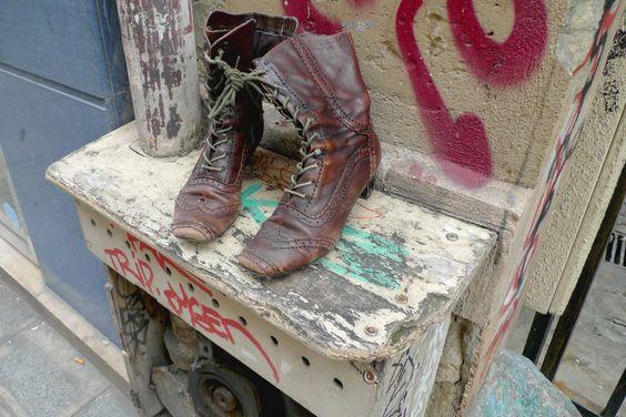 #shoes #streetart #paris #fashion #itgirl #boho #cvang