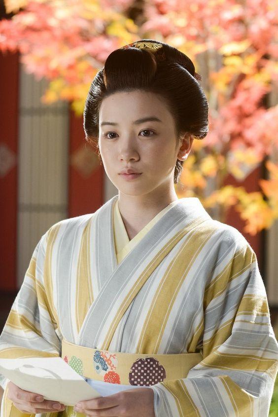 和服の永野芽郁さん