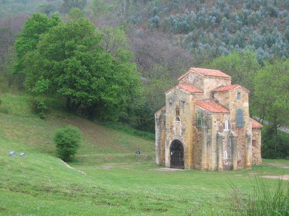 Iglesia San Miguel de Lillo, Monte Naranco, Oviedo, España