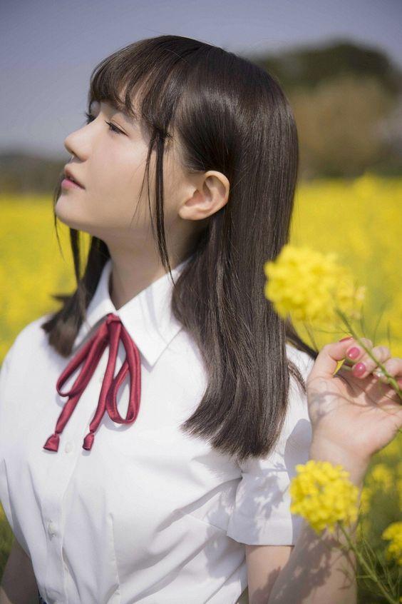 横顔の尾崎由香さん