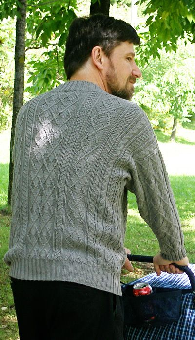 """Arguyle gansey pullover is a sweater that is intricate enough to keep a knitter interested; requires skills basic enough that it's not beyond an enthusiastic beginner; and is """"manly"""" enough that even guys with conservative tastes will want to wear it. And all with no seaming! (S-2XL)"""