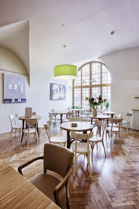 """Cafeteria du musée de la """"Jeune Pologne"""" (art nouveau). Nowa kawiarnia w Kamienicy Szołayskich, fot. archiwum MNK, autor: Karol Kowalik"""