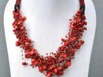 Collar de abalorios checos rojo artesanal elegante