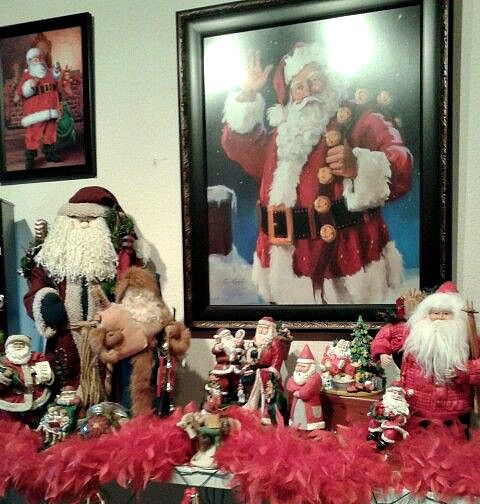Santa mantle: