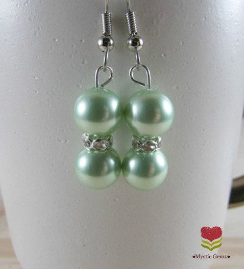 Shell Pearl Earrings - Green Pearl Earrings - Dangle Earring - Pearl Beaded Earrings - Wedding Earrings - Bridesmaid Earrings - Shell Pearls