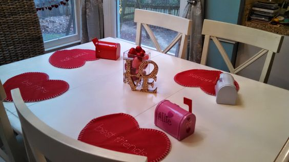 Adventures With Toddlers and Preschoolers: Valentine's Day Crafts For Toddlers